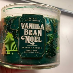 Bath and Body Works Vanilla Bean Noel Candle